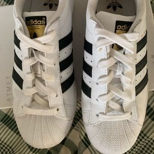 Shelltoe adidas superstar sneakers